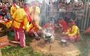 Ảnh: Kéo lửa, thổi cơm thi thu hút hàng nghìn du khách đến chùa Keo