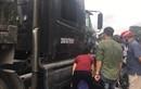 Hải Dương: Container va chạm với xe máy, 2 người tử vong