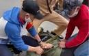 Video: Cảnh sát quật ngã nghi phạm mang ma túy giữa phố