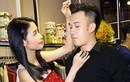 Mai Hồ dịu dàng chăm chút ngoại hình cho Dương Triệu Vũ