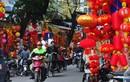 Đồ trang trí Tết Trung Quốc nhuộm đỏ phố Hàng Mã