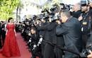 """Lý Nhã Kỳ hút """"rừng"""" ống kính trên thảm đỏ Cannes"""