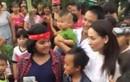 Người dân vây kín đón Hồ Văn Cường về quê