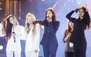 Các cô gái T-ara bật khóc trong đêm nhạc dưới mưa ở TP.HCM
