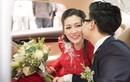 Chú rể Gia Lộc ngọt ngào hôn Tú Anh trong lễ đón dâu