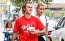 Đính hôn rồi Justin Bieber vẫn không bỏ được thói quen mặc quần tụt