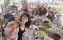 Cát Phượng - Kiều Minh Tuấn vui vẻ về quê thăm gia đình