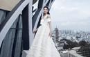 Lương Thùy Linh diện váy cưới, liều lĩnh tạo dáng trên tầng thượng