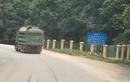 Xe chở quá tải tung hoành tuyến đường phía Tây Hà Nội