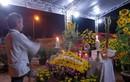 Mộ ông Nguyễn Bá Thanh được người dân canh giữ hằng đêm