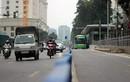 Hà Nội bắt đầu làm hàng rào phân cách làn xe buýt nhanh