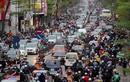 Hà Nội cấm xe máy: 200 triệu mua được ô tô, đường lại càng tắc