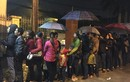 Ảnh: Người dân Bắc Ninh đưa con lên Hà Nội từ 3h sáng để khám sán lợn
