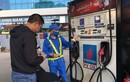 Tình huống đáng ngờ, có tiền không mua nổi xăng dầu chạy máy