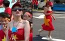 Cô gái dùng cờ Tổ quốc quấn ngang hông nói gì?