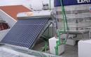 Dùng máy nước nóng năng lượng mặt trời có hợp túi tiền?