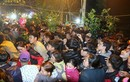 Ngàn người đổ xô về lễ hội chợ đình Bích La