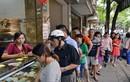 Bánh Trung thu Bảo Phương vẫn mở cửa hút khách chấp lệnh cấm