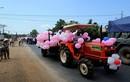 """A đây rồi: Màn rước dâu bằng máy cày ở Nghệ An gây """"bão"""""""