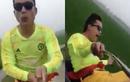 """A đây rồi: """"Hot boy"""" Thanh Hóa chơi ngông cầm lái xe máy bằng chân"""