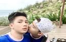 """Khoảnh khắc """"ngọt như mía lùi"""" của cặp đôi đồng tính Việt"""