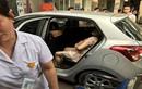 CSGT mở đường cho sản phụ đẻ con trên ô tô tới viện an toàn