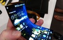 """Video: """"Phê"""" hết sức với smartphone uốn cong tại CES 2019"""