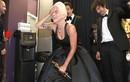 Lady Gaga bật khóc nức nở, nắm chặt tượng vàng Oscar đầu tiên của sự nghiệp