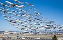 """Khoảnh khắc hàng trăm máy bay cùng cất cánh... như """"tắc đường hàng không"""""""