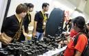Ống kính máy ảnh giá 500.000 đồng hút khách ở Sài Gòn