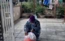 Vợ mất, người cha Quảng Trị vượt 50 km để xin sữa mẹ cho con