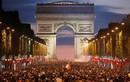 Video: CĐV hỗn loạn sau khi Pháp giành quyền vào chung kết World Cup