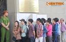 Người dân Sài Gòn xếp hàng mua tiền 100 đồng lưu niệm