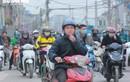 Người Hà Nội vô tư tập trung đông người, không đeo khẩu trang phòng COVID-19