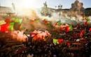 CĐV Bồ Đào Nha ăn mừng đội nhà vô địch EURO 2016