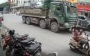 Video: Màn hãm phanh điêu luyện của tài xế xe máy kéo xe 'hổ vồ'
