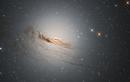 """NASA công bố khoảnh khắc hiếm hoi của thiên hà đang """"hấp hối"""""""