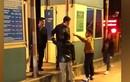 Hai bố con tự xưng là công an gây rối trạm BOT ở Thái Bình: Xử lý thế nào?