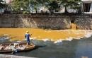 Kinh hãi nhìn nước thải xả ra sông ở Hà Nội