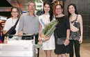 Thuỳ Dung mang 140kg hành lý sang Nhật dự thi Miss Internation