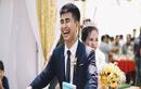 Bộ ảnh cưới kể chuyện tình 'thương em anh trồng hoa giấy' gây bão