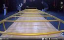 Video: Cô gái lập kỷ lục thế giới khi chui qua gầm