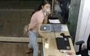 Video: Cô gái lấy mũ che mặt rồi nhanh tay trộm ĐTDĐ