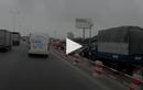 Video : Honda CR-V tông thẳng đuôi xe tải trên cầu Thanh Trì