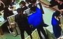 """Video: Gây sự đánh nhaui, cao thủ MMA bị đấm ngã """"sấp mặt"""""""