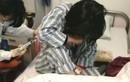 Người phụ nữ suy sụp vì được chẩn đoán ung thư buồng trứng