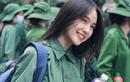 Nữ sinh ĐH Kinh tế Quốc dân được chú ý nhờ bức ảnh học quân sự