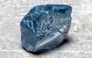 Viên kim cương như màu nước biển, một viên có giá cả trăm tỷ