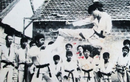 Cao thủ làng võ Sài Gòn: Dùng đòn gánh hạ đo ván 10 tên côn đồ
