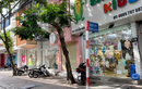 Giảm giá kịch sàn, các cửa hàng quần áo tại Hà Nội vẫn không bóng người